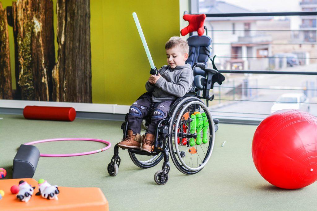 Rehabilitacja dziecka – wszystko, co musisz wiedzieć  oraz wizyta w Nasza Klinika w Ożarowie Mazowieckim
